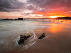 Rojos Pasados (_dUkEnUkEm_) Tags: marina atardecer mar rojo asturias olympus arena puestadesol colunga roca omd oceano piedra cantabrico espasa em5