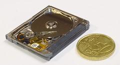 Seagate Microdrive (5GB) (dvanzuijlekom) Tags: macro closeup march hardware coin euro arnhem seagate microdrive harddiskdrive 2013 canonef50mmf18mkii cf2 hackerspace canoneos7d canonef12iiextensiontube hack42 kkn6 buitenplaatskoningsweg kampkoningswegnoord compactflashtypeii