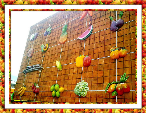 MURAL WITH FRUITS :)