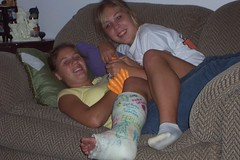 yelnic24_03 (cb_777a) Tags: broken leg ankle foot cast crutches toes usa