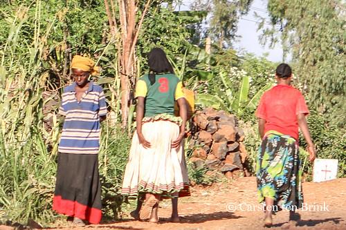The traditional Konso dress (women of Gesergiyo)