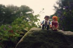 Playmobil, en avant les histoires (Louise Lemettais) Tags: dlire couple jouet playmobil mise en rigoler jardin acteur carton pierre cailloux macro femme homme original