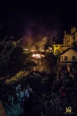 FALO' (Lace1952) Tags: festa patrono sanbartolomeo falo ponte gente fumo case luce villadossola ossola vco piemonte italia lg4