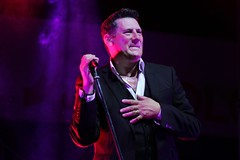 TONY HADLEY live in Italy (dj erriquez) Tags: artist band concert canon color city concerto eighties english england festival new people venezia venice fun photo show light night italia italy inglese live singer village music man musica summer uomo cantante portrait party palco vocals londra london