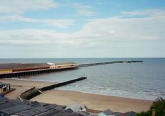 op - walton pier (johnnytakespictures) Tags: olympus pen ee3 halfframe lomographycn400 lomo lomography analogue film walton waltononthenaze beach sea seafront ocean pier sunny summer sunshine holiday
