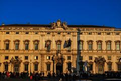 Palacio del Quirinal, Roma. (Leandro Fridman) Tags: arquitectura calle cielo azul edificio roma italia nikon d60 gente ciudad urbano airelibre nikond60