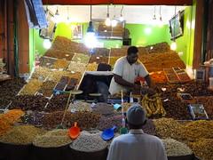 I can get nuts (Passetti) Tags: morocco maroko marokko marrakech marrakesj africa atlaselectronic reizen 2016 cultuur city zouk notenbar noten nuts shop