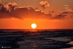 NASCE UN GIORNO ! (Salvatore Lo Faro) Tags: alba natura naturesole rosso giallo nuvole mare onde riflessi cielorosso rodi puglia italia italy salvatore lofaro nikon 7200