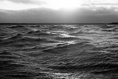 Fall on the White sea (Iurii & Natali) Tags: autumn northern sea fall waves wind cold morning sunrise bw strong analogue classic film ilford delta praktica mtl5 m42