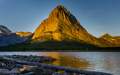 Mount Grinnell (Tunabomber) Tags: glaciernationalpark glacier montana mountain grinnell mountgrinnell sunrise swiftcurrent lake swiftcurrentlake manyglacier usa nikon d7200 sigma