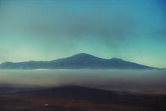 foggy morning in val d'orcia, toscana (trevis_lu) Tags: photo landscape paesaggio toscana tuscany valdorcia montagna colline hills mountain nikondf nikkor80200f28