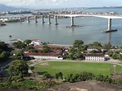 Vista do morro do Convento Nossa Senhora da Penha (Leo BH) Tags: bridge sea sky beach photography ponte es hdr vitoria espiritosanto vilavelha enseadadosuá streamzoo