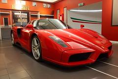 Enzo, soar es gratis. (Fermaker) Tags: italy italia f1 ferrari f enzo series limited supercar maranello f60 superdeportivo museumcar