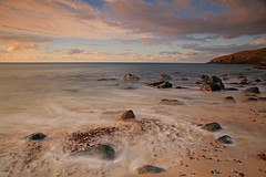 Sea, Sand, Rocks and Pebbles. (Gordie Broon.) Tags: winter sea seascape beach nature clouds geotagged photography scotland scenery rocks alba scenic pebbles escocia schottland ecosse lochinver assynt scottishhighlands clachtoll sutherlandshire northwestscotland theminch stoerpeninsula canoneos7d stoerbay gordiebroon