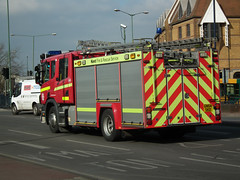 Kent Fire 211 (kenjonbro) Tags: uk england kent fireengine maidstone loose scania 211 crewcab 94d emergencyone bishopsway kenjonbro kentfireandrescueservice gn54skd fujifilmfinepixhs10