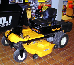 Cub Cadet Zero Force S Zero Turn Mower. (dccradio) Tags: wisconsin mall farming equipment machinery ag agriculture wi agricultural farmequipment farmshow marshfield farmmachinery centralwisconsin shoppesatwoodridge marshfieldmall wisconsinfarming machineryshow agshowagricultureshow