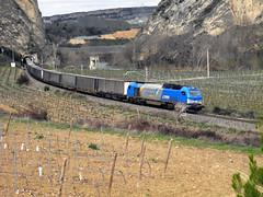 Papelero en San Felices (MACD 3) Tags: vossloh comsarailtransport 335001