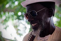 il sorriso dell'ambulante (elisabetta d.) Tags: uomo sorriso primopiano fano ambulante