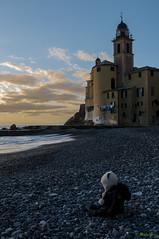 Giulia e Camogli (-Makar79-) Tags: family sunset landscapes liguria sealife camogli 2470mmf28g d300s nikkorafs2470f28