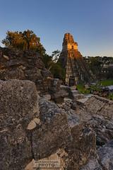 Sunset in Tikal (alan benchoam) Tags: old ancient ruins maya stones guatemala selva antigua ruinas tikal viejo piedras guate chapìn