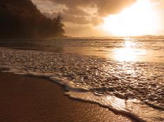 Ke'e Beach Sunset (Steven W Lum) Tags: ocean sunset beach sand wave kauai keebeach haenastatepark