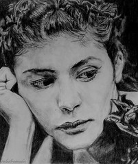 Audrey Tautou. (palaabrasusadas...) Tags: portrait white black blanco pose paper grey luces trabajo drawing retrato negro lapiz bn audrey papel dibujo sombras amlie tautou francesa fotografa lapicero lpiz poulain actriz trazos portaminas