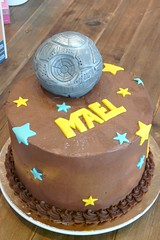 May the Force Be With You (Sugar Daze) Tags: paris cake starwars darthvader deathstar gateau guerredestoiles