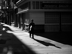Cdiz, Spain (giacomofrullani) Tags: street bw spain cdiz peolple