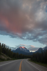 Mountain Road (gr7361) Tags: canadianrockies alberta canada banffnationalpark sunset