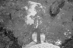Um palmo de rio (Mi Mitrika) Tags: paiva pés eu rio água reflexo arouca