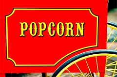 SINGAPORE CHINATOWN PAGODA STREET POPCORN SHOP (patrick555666751) Tags: singaporechinatownpagodastreetpopcornshop singapura asie asia du sud est south east red rojo rouge rot rosso rood