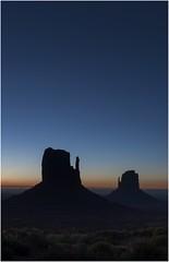 Monument Valley  v007 (Ezcurdia) Tags: monumentvalley utah arizona usa eeuu navajo tsebiindisgaii limolita navajotrivalpark johnfordpoint