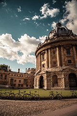 Radcliffe Camera (gstening) Tags: oxford university bodleian library uk england unitedkingdom canoneos5dmarkii canonef2410540lisusm clouds sky blue grass old yellow green city tourist radcliffe camera