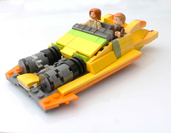 Coruscant speeder (with instructions) (hachiroku24) Tags: lego star wars coruscant speeder obi wan kenobi anakin skywalker toy yellow moc attack clones