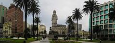 """Montevideo: la Plaza de la Independencia <a style=""""margin-left:10px; font-size:0.8em;"""" href=""""http://www.flickr.com/photos/127723101@N04/29638706562/"""" target=""""_blank"""">@flickr</a>"""