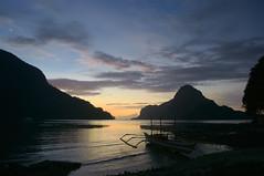 Boat and sunset (destebani) Tags: sunset atardecer philippines  filipinas elnido