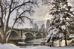 A snowy day in Minneapolis (Sue.Ann) Tags: bridge minnesota mississippi downtown central minneapolis mississippiriver avenue downtownminneapolis 3rdavenuebridge