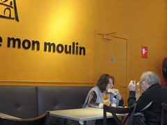 mon moulin (Kalense Kid) Tags: couple eating candid free coffeeshop wifi firehose toilets