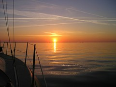 Sailing into the sunrise (Jaedde & Sis) Tags: water lines sunrise sailing bigmomma a3b herowinner pregamewinner
