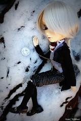 Lost (Elisabet Threepwood (so busy)) Tags: boy white snow black rabbit lost photography doll dolls alice ragnarok series 16 ro kiel elisabet lunatics threepwood taeyang lunati taeyangs