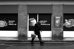 ogni giorno  every day (enki22) Tags: street people urban white black candid enki22