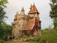 Medieval trip (Alonso Henrquez) Tags: chile architecture valle valley canong3 castillo colchagua cfb valledecolchagua alonsohenrquez