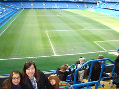 DSC07077 (TheKilens) Tags: uk vacation england london europe chelsea tour stadium pitch michele melina maile chelseafc stamfordbridge