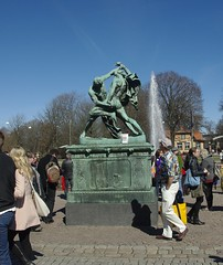 The Release Walk at the Bookcrossing Convention 2013. (zimort) Tags: park statue book sweden kunst release skulptur bok sverige bookcrossingcom gteborg skulpture releases slipp bcslipp bccon2013