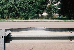 On the road (16) (sirio174 (anche su Lomography)) Tags: como guardrail danno incidente caraccident incidenteautomobilistico urto ontheroad road strada
