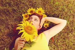 I'm a summer girl ! (stefaniebst) Tags: sunflower summer t season flower fleur flowerpower selfportrait autoportrait outdoor extrieur portrait portraiture yellow queen princess