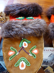 Haines80 (alicia.garbelman) Tags: haines alaska mittens beadwork clothing sheldonmuseumandculturalcenter