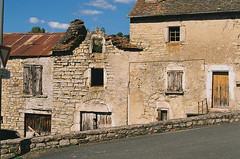 A Saint-Etienne-du-Valdonnez (eflyfree) Tags: argentique byeflyfree caussenoir dxo france fujicolor200 iso200 nikkormat nikkormatft2 nikon