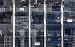 Reflejos rotos (Jaime A Ballestero) Tags: vidrieras ventanas reflejos guggenheim bilbao