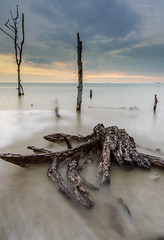 Sunset | Kelanang Beach, Banting | 6 (Mohamad Zaidi Photography) Tags: sunset beach landscape scenery waves malaysia pantai borabora selangor wavetrail leefilter kelanang tokina1116 nikond7000 09hgnd